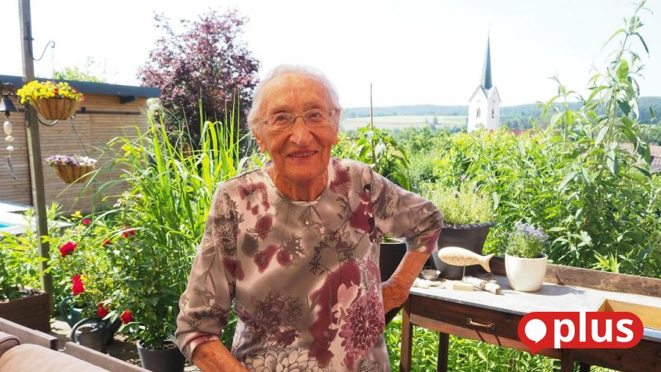 Ziemlich fit und ein bisschen weise: Gertrud Reinhart feiert am Montag in Schwarzhofen 100. Geburtstag