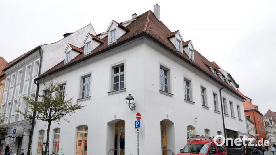 Sparkasse Amberg-Sulzbach eröffnet in ehemaliger Buchhandlung Lieret - Onetz.de