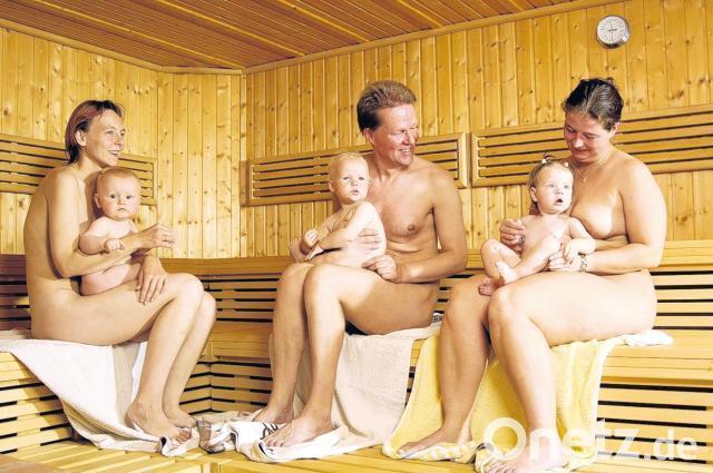 Kinder nackt in sauna