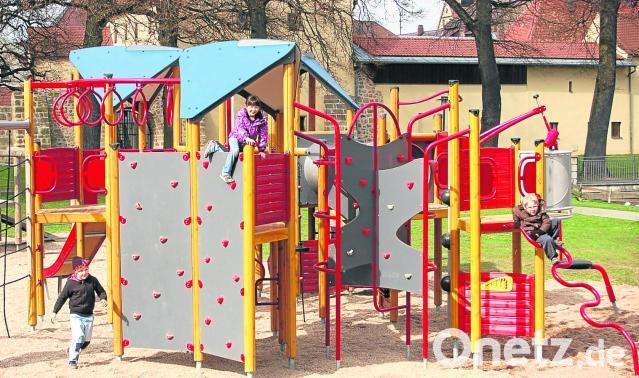 Klettergerüst Mit Netz : Klettergerüst im stadtpark ist fertig onetz