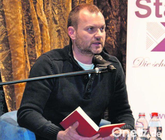 thilo komma pllath liest aus seiner umstrittenen hoene biografie in buchhandlung stangl und taubald genug der lob ulilei - Uli Hoenes Lebenslauf