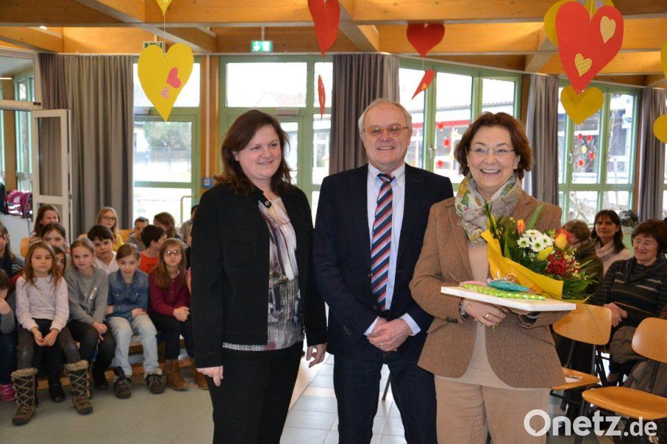 3bacad5f5b7eda Brigitte Weigl wird nach 43 Jahren im Schuldienst an der Jahnschule in den  Ruhestand ...