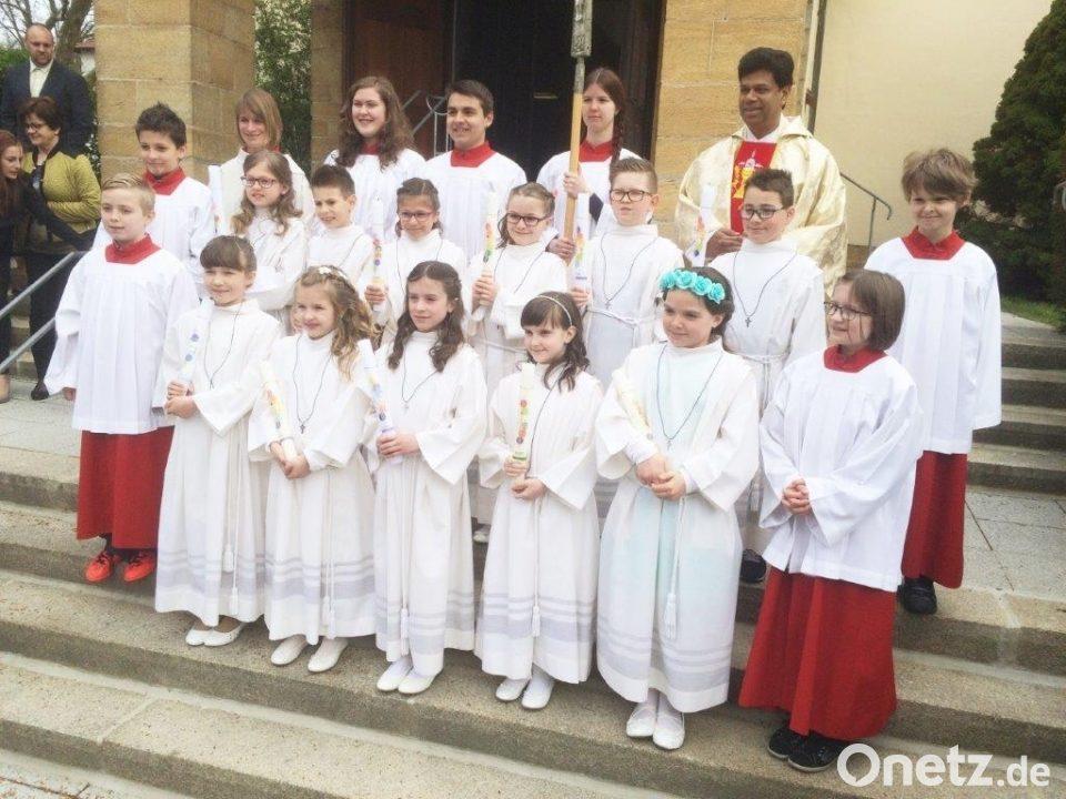 Elf Kinder Feiern Kommunion Onetz