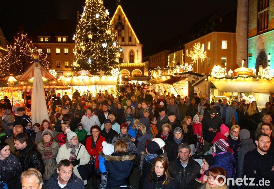 Was Gehört Auf Einen Weihnachtsmarkt.30 Tage Lang Gehört Die Hälfte Des Marktplatzes Dem Weihnachtsmarkt