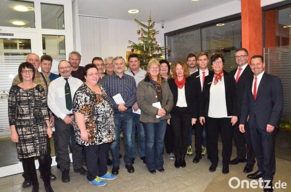 Sparkasse überreicht 5000 Euro An Vereine Onetz