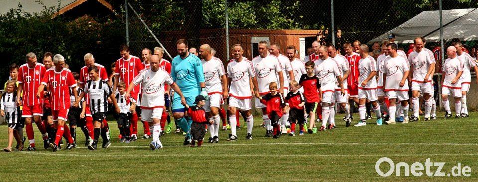Vfb Kicker Spielen Gegen Fc Bayern München Onetz