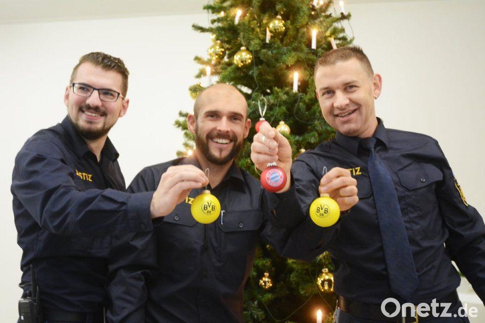 Bvb Weihnachtsbaum.Bvb Kugel An Bayerischem Weihnachtsbaum Onetz