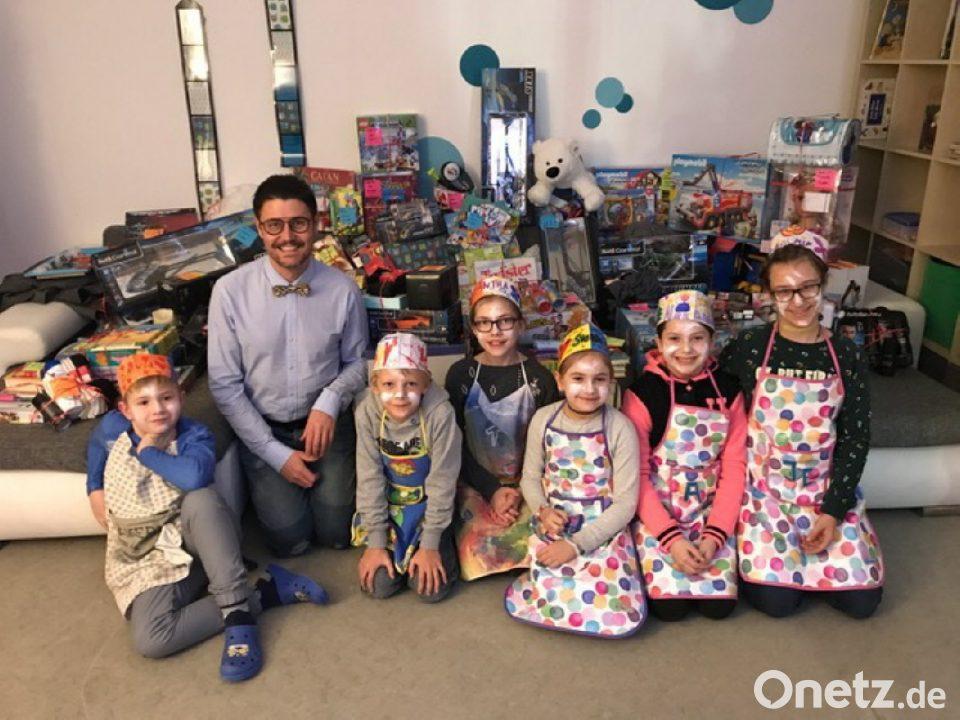 Kinderheim Weihnachtsgeschenke.4000 Euro Für Leuchtende Kinderaugen Onetz