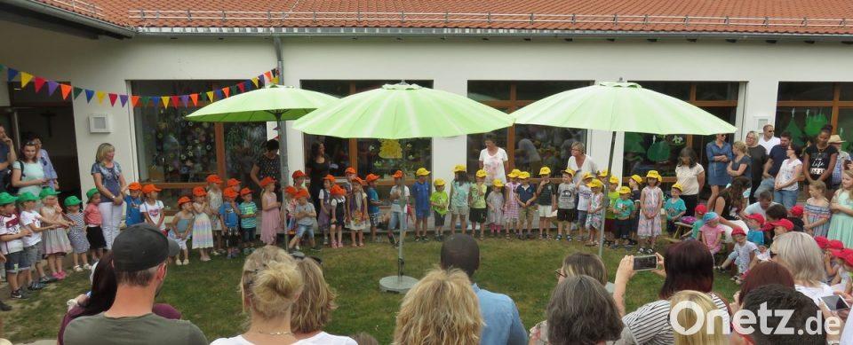 Käppis in den Farben der einzelnen Gruppen der Tagesstätte St. Josef ...