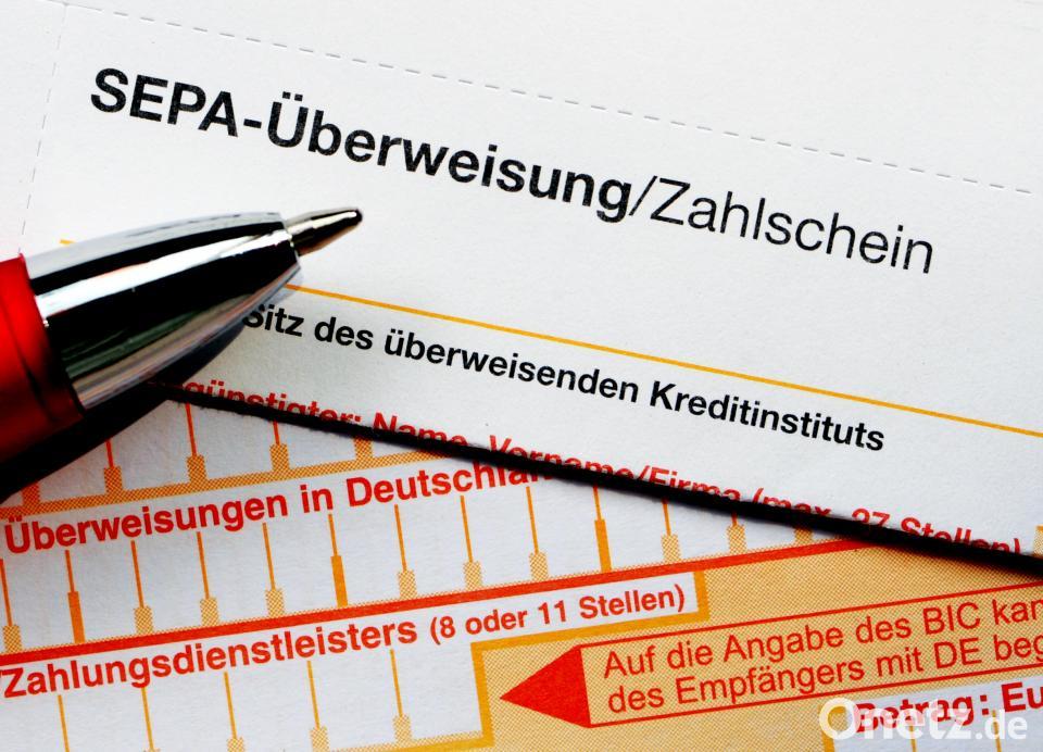 Bankmitarbeiterin deckt Überweisungsbetrug auf   Onetz
