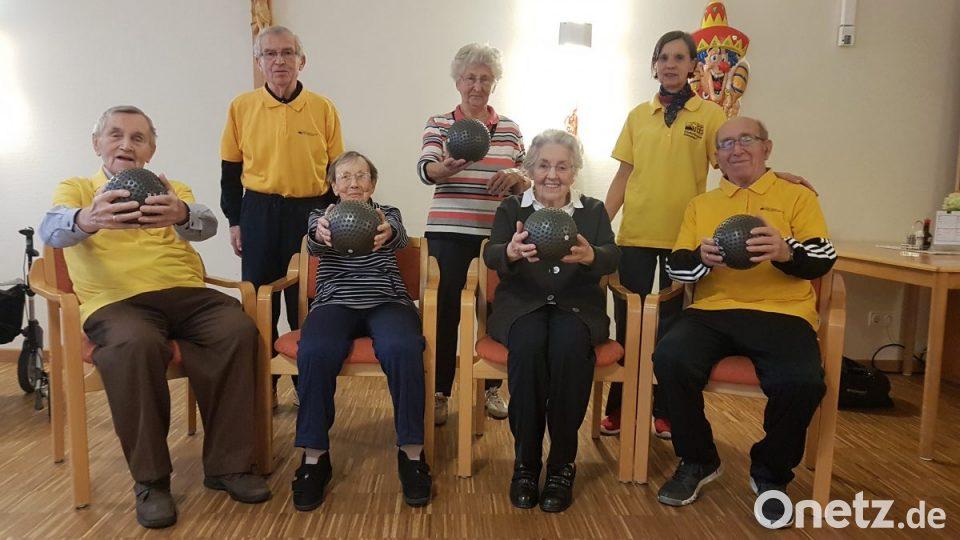 ElisabethenheimDer Gymnastik sportliche Senioren im Club 8mwyNnv0O