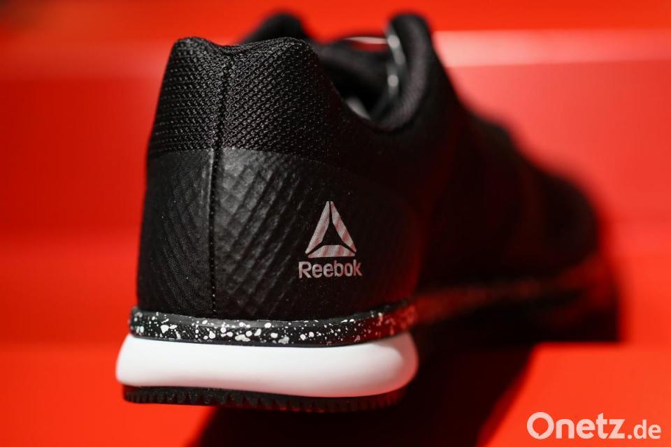 adidas sponsoring für schuhe und kleidungen