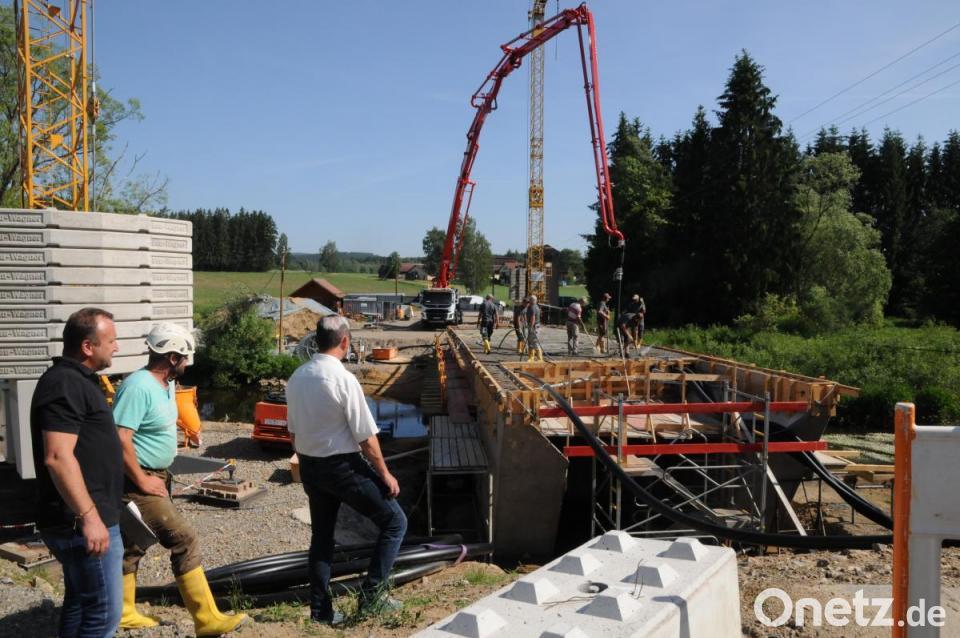 Bekannt Über 100 Kubikmeter Beton   Onetz AO17