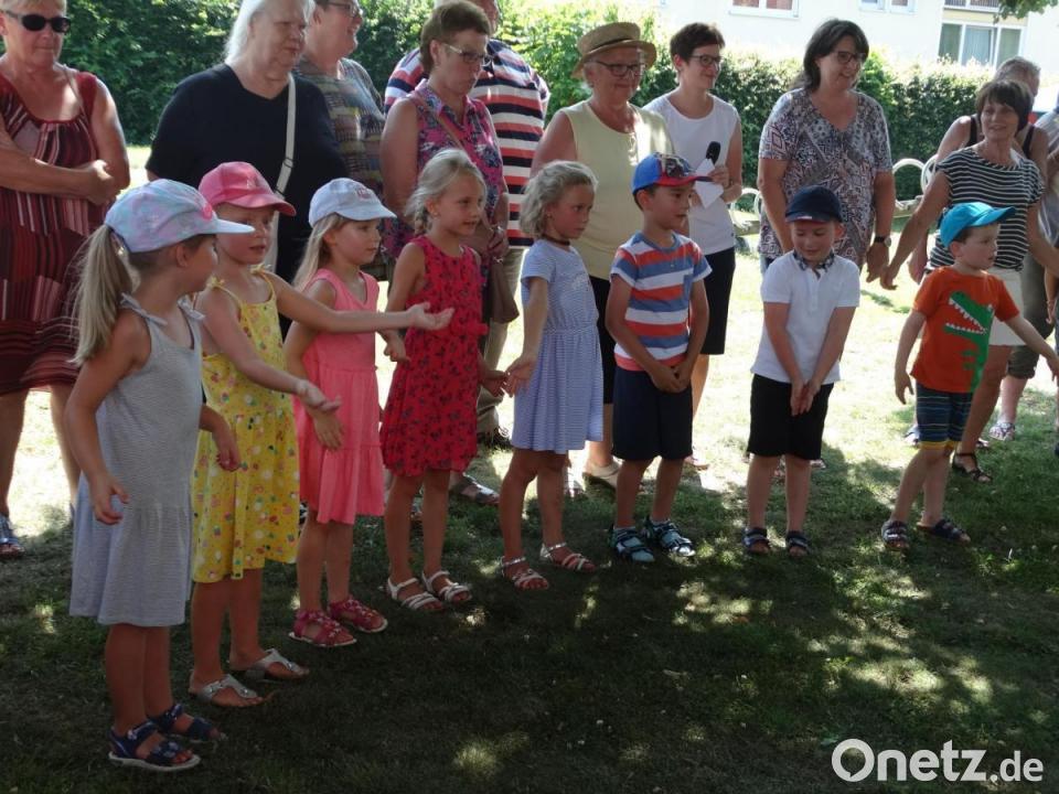 Oma Und Opa Im Kindergarten St Martin Onetz