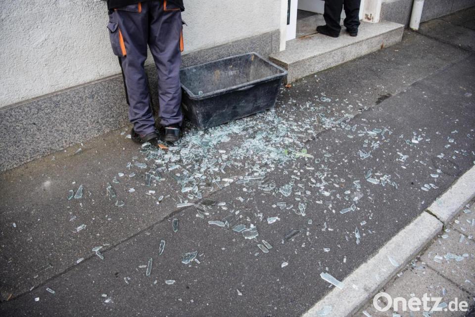 Geldautomat Gesprengt Polizei Schiesst Und Durchsucht Wald Onetz