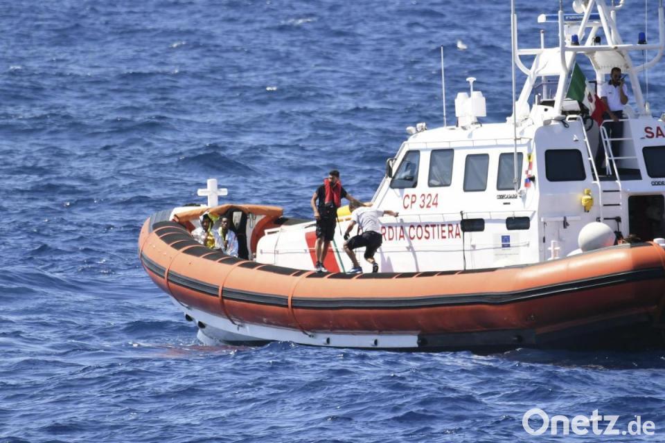 Migration: Lampedusa: Küstenwache rettet 143 Migranten nach Schiffbruch - Startseite