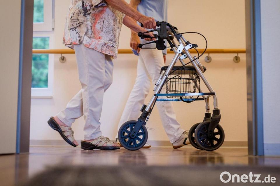 Pflegemindestlohn steigt auf bis zu 15,40 Euro | Onetz