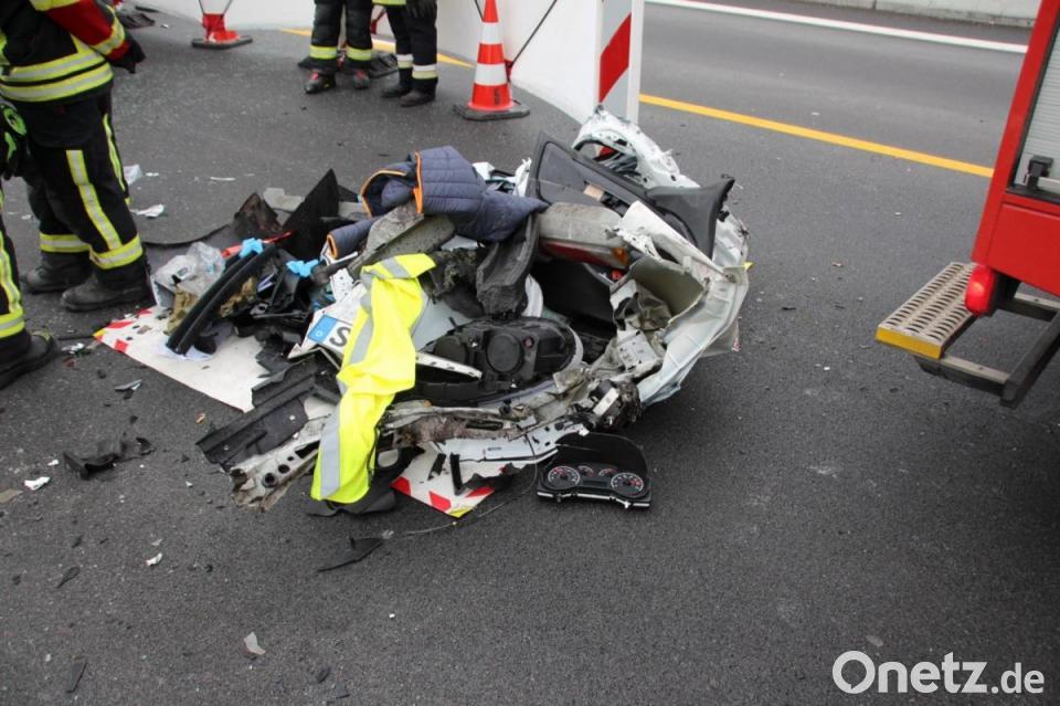 In Stauende Gefahren Schwerer Unfall Auf A3 Onetz