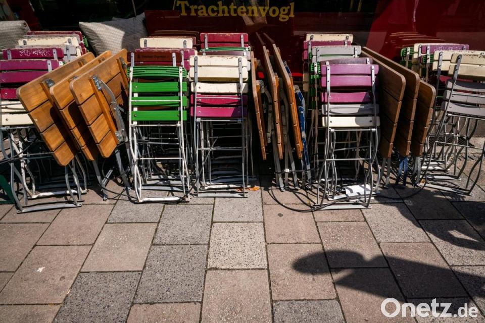 Corona Regeln Ab Montag Innen Gastronomie Kitas Und Altenheime Offnen Onetz