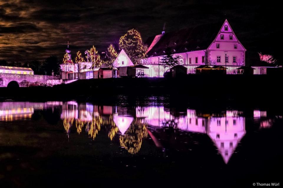 Grosser Kunsthandwerklicher Weihnachtsmarkt In Tirschenreuth
