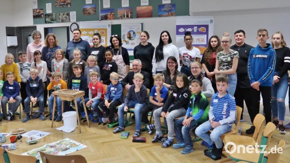Aktion des Landwirtschaftsamts in Grundschule Vilseck: Pfannkuchenweg beschritten - Onetz.de
