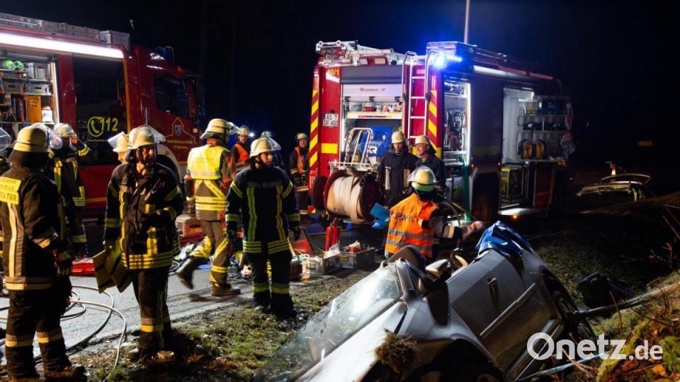 Feuerwehr befreit 72-Jährige aus ihrem Auto - Onetz.de