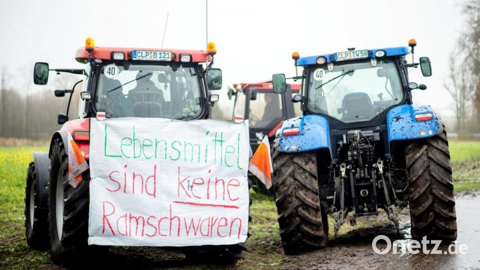 Wütende Landwirte protestieren gegen Handels-Preispolitik