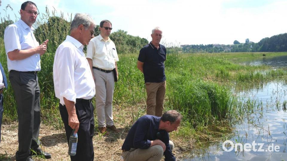 Umweltminister steht zum Turmbau im Eixendorfer Stausee