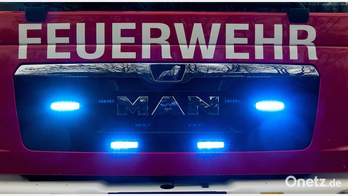 Brand in Schwarzhofen: Holzverschlag fängt Feuer